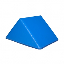 Triangular obstacle