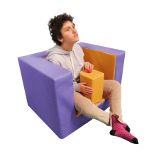 Abductor plug armchair